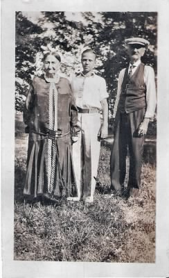 dick with possible paternal grandparents.jpg
