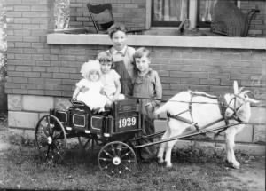 Read, Arnold, Bill, Ethelene and AnnaMae goat cart - 1939