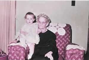 Lydia Corena Beesley TAYLOR with Me in Her Lap 1957