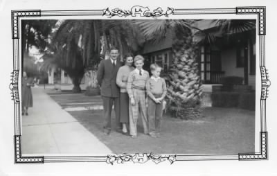 Dad, Mum and the Brothers.jpg - Fold3.com
