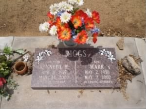 Gravestone of Kenneth Harlan Riggs and son Mark Riggs in Raymond Cemetery, CA, USA