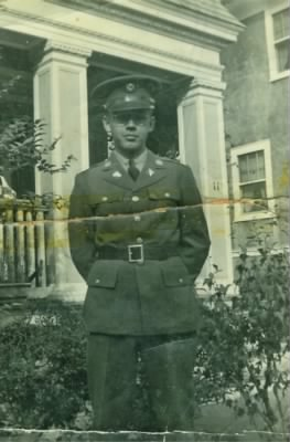 Dad in Army 1940.jpg