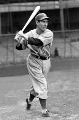 Dick_Siebert_(1940_A's)_6.jpg