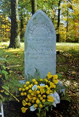 Nancy_hanks_lincoln_grave.jpg