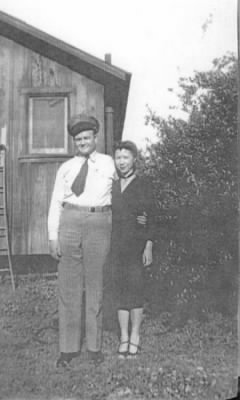 Perry and Lola Tichenor WWII.jpg