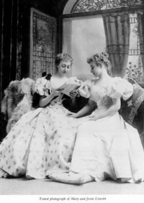 Mary and Jessie Lincoln.jpg