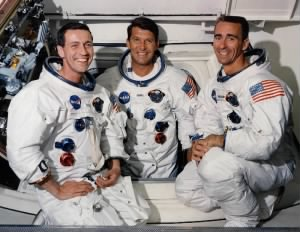 800px-Apollo7_Prime_Crew_(May_22,_1968).jpg