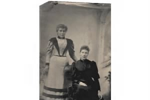 Probably Maja Greta Tubin and daughter Augusta, c 1886