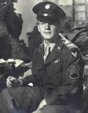 Howard H Roberson WW II (1926 ~ 1993)-001.jpg